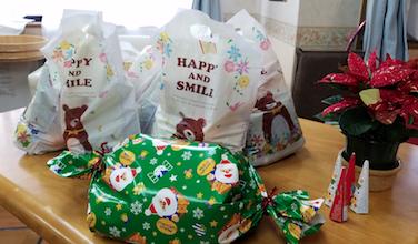 高齢者施設のクリスマス会でウケたプレゼントはこれ!