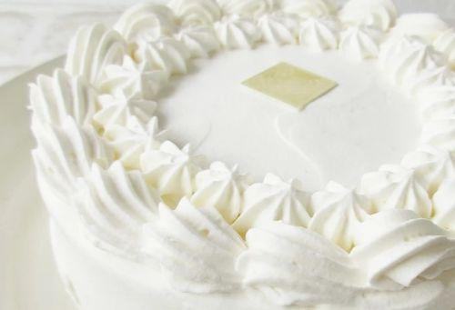 低タンパク質の誕生日ケーキ